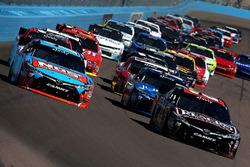 Start van de race, Kyle Busch, Joe Gibbs Racing Toyota en Erik Jones, Joe Gibbs Racing Toyota