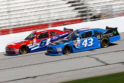 Jeb Burton, Richard Petty Motorsports Ford, Darrell Wallace Jr., Roush Fenway Racing Ford