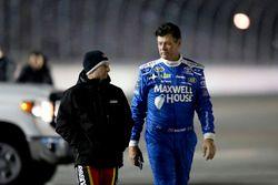 Jamie McMurray, Chip Ganassi Racing Chevrolet and Michael Waltrip, BK Racing Toyota