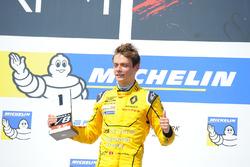 Podium : Louis Deletraz, Fortec Motorsports