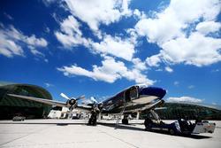 Le Red Bull DC-6B au Hangar 7