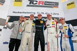 Podium: Sieger 99 Josh Files, Target Competition, Honda Civic TCR; 2. Dennis Strandberg, Target Comp