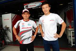 #15 Drago Modulo Honda Racing: Takashi Kogure, Tadasuke Makino