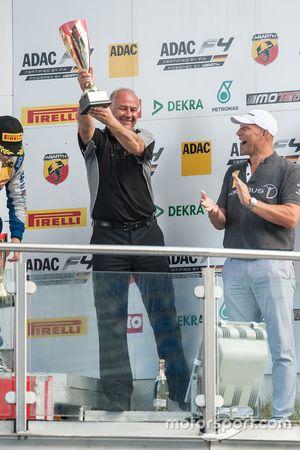 Podio: Andreas Jenzer, Jenzer Motorsport