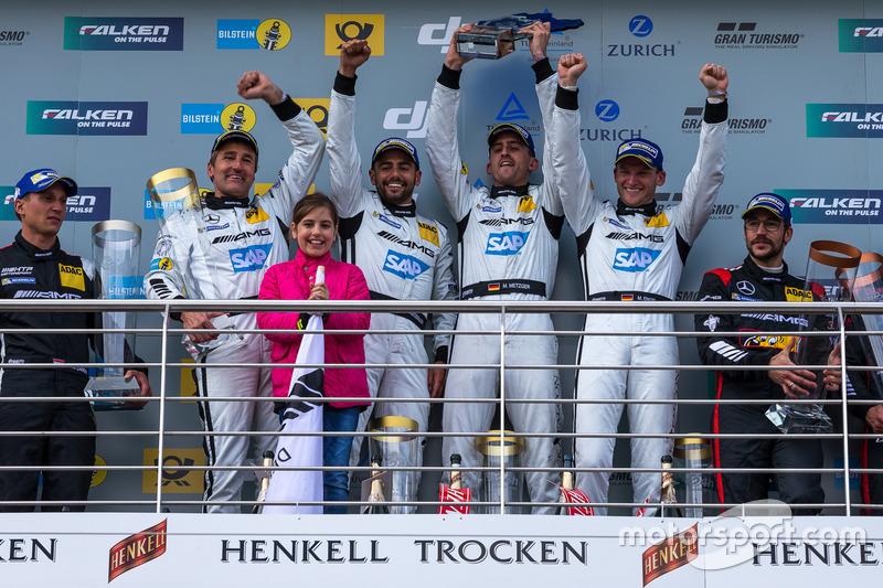 Podium: 1st place #4 AMG-Team Black Falcon, Mercedes-AMG GT3: Bernd Schneider, Maro Engel, Adam Chri