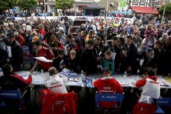 Mehdi Bennani, Sébastien Loeb Racing, Citroën C-Elysée WTCC; Tiago Monteiro, Honda Racing Team JAS, Honda Civic WTCC; Rob Huff, Honda Racing Team JAS, Honda Civic WTCC; Norbert Michelisz, Honda Racing Team JAS, Honda Civic WTCC