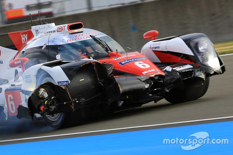 #6 Toyota Racing Toyota TS050 Hybrid: Стефан Сарразан, Майк Ковей, Камуі Кобаясі, аварія