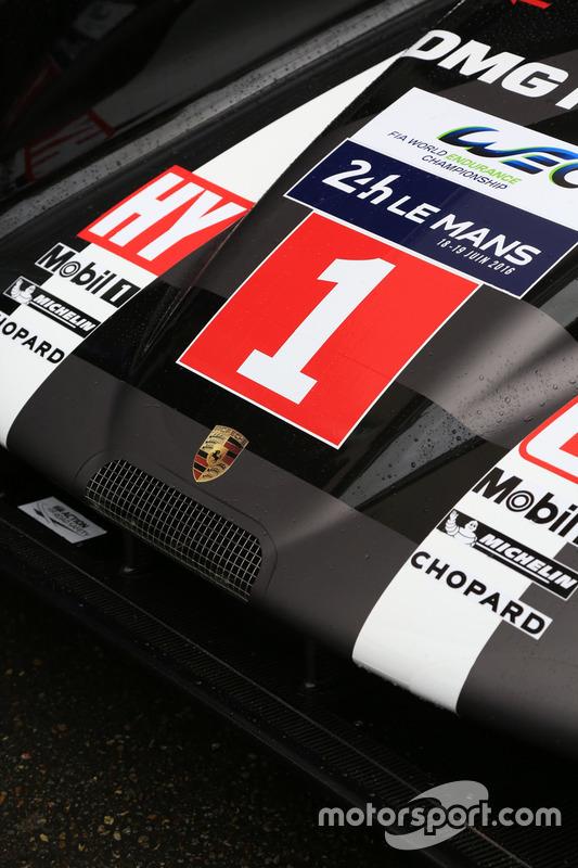 #1 Porsche Team Porsche 919 Hybrid