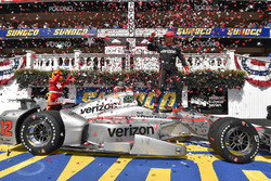 Le vainqueur Will Power, Team Penske Chevrolet