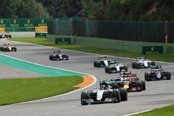 Нико Росберг, Mercedes AMG F1 W07 в начале гонки