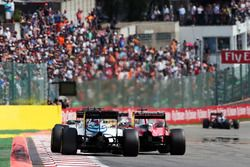 Valtteri Bottas, Williams FW38 and Sebastian Vettel, Ferrari SF16-H