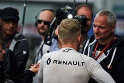 Kevin Magnussen, Renault Sport F1 Team avec les médias