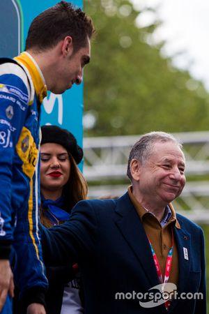 Tercer lugar Sébastien Buemi, Renault e.Dams con Jean Todt, Presidente de la FIA