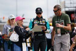 Chase Elliott, Hendrick Motorsports Chevrolet signing autographs