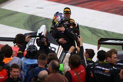 Kazanan #58 Garajı 59, McLaren 650 S GT3: Rob Bell, Côme Ledogar, Shane Van Gisbergen