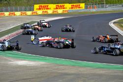 Nick Cassidy, Prema Powerteam Dallara F312 – Mercedes-Benz, Niko Kari, Motopark Dallara F312 – Volks