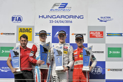 Podium: second place Ralf Aron, Prema Powerteam Dallara F312 – Mercedes-Benz; Winner Maximilian Günt