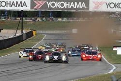 Start: #60 Michael Shank Racing with Curb/Agajanian, Ligier JS P2 Honda: John Pew, Oswaldo Negri Jr.