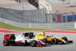 Jolyon Palmer, Renault Sport F1 Team RS16 und Romain Grosjean, Haas F1 Team VF-16