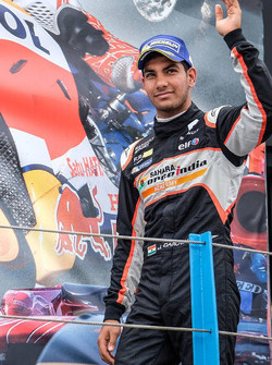 Podium: third place Jehan Daruvala, Josef Kaufmann Racing