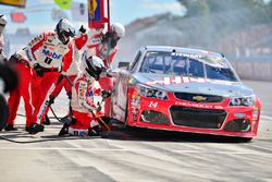 Tony Stewart, Stewart-Haas Racing, pit action