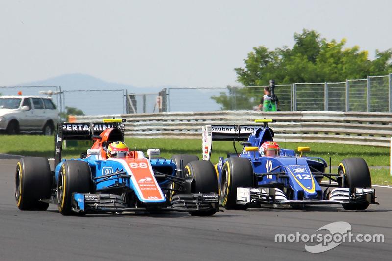 Rio Haryanto, Manor Racing MRT05, Felipe Nasr, Sauber C35