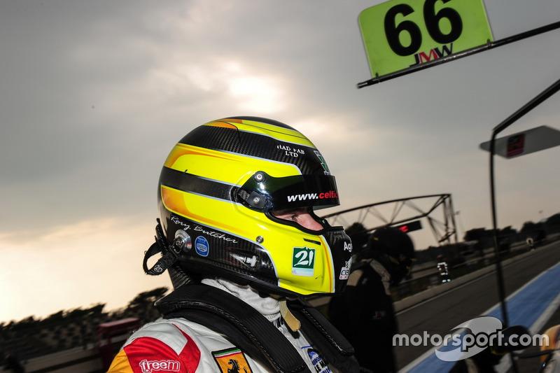 #66 JMW Motorsport Ferrari F458 Italia: Rory Butcher