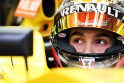 Эстебан Окон, тестовый пилот Renault Sport F1 Team R16
