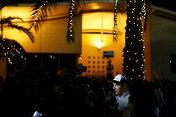 Stoffel Vandoorne, McLaren met de media