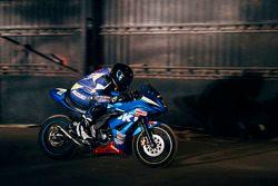Suzuki Gixxer in action