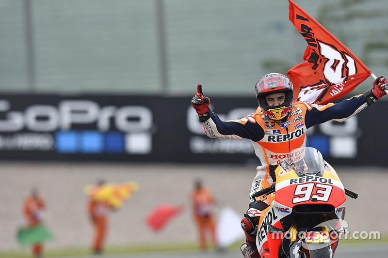 """<img src=""""http://cdn-1.motorsport.com/static/custom/car-thumbs/MOTOGP_2016/numbers/93.png""""> Marc Márquez (Repsol Honda Team)"""