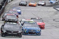 Derrike Cope, Premium Motorsports Toyota, Jimmie Johnson, Hendrick Motorsports Chevrolet