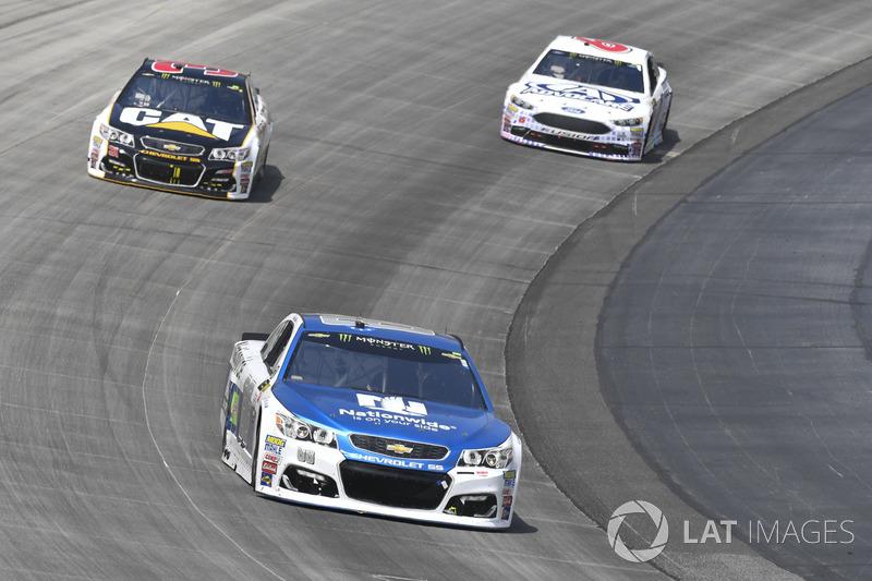 Dale Earnhardt Jr., Hendrick Motorsports, Chevrolet; Ryan Newman, Richard Childress Racing, Chevrole