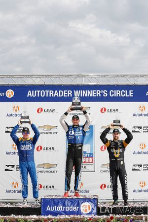 Podium: second place Scott Dixon, Chip Ganassi Racing Honda, race winner Graham Rahal, Rahal Letterman Lanigan Racing Honda, third place James Hinchcliffe, Schmidt Peterson Motorsports Honda