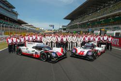 Porsche Team group photo