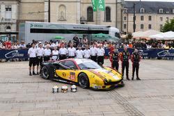 №84 JMW Motorsport Ferrari 488 GTE: Роберт Смит, Уилл Стивенс, Дрис Вантхор