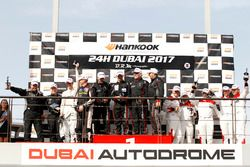 Podium: SPX Winnaar #87 GDL Racing Middle East Lamborghini Huracan Super Trofeo: Franck Pelle, Rory