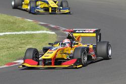小暮卓史(B-Max Racing)