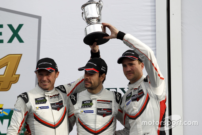 Podium: GTLM: segundo #911 Porsche Team North America Porsche 911 RSR: Patrick Pilet, Dirk Werner, Frédéric Makowiecki