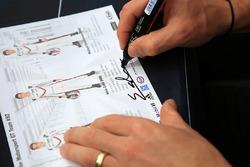 Signature of Kevin Estre, Porsche Team