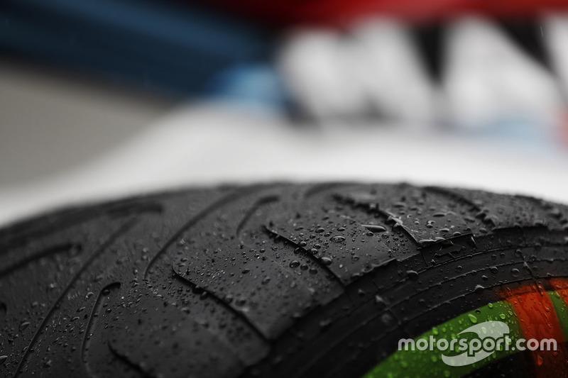 Pirelli-Reifen: Intermediate