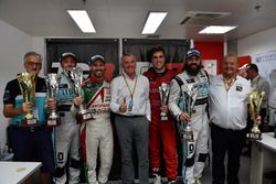 Jean-Karl Vernay, Leopard Racing, Volkswagen Golf GTI TCR; Tiago Monteiro, West Coast Racing, Honda Civic TCR; Stefano Comini, Leopard Racing, Volkswagen Golf GTI TCR; Pepe Oriola, Craft Bamboo Racing, SEAT León SEQ with Marcello Lotti, CEO WSC