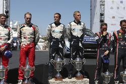 Podium: Winnaar Ott Tänak, Martin Järveoja, M-Sport, Ford Fiesta WRC, tweede Jari-Matti Latvala, Mii