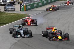 Max Verstappen, Red Bull Racing RB13, Valtteri Bottas, Mercedes AMG F1 W08, Sebastian Vettel, Ferrari SF70H, Daniel Ricciardo, Red Bull Racing RB13, Kimi Raikkonen, Ferrari SF70H