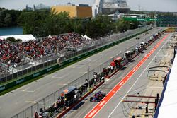 Daniil Kvyat, Scuderia Toro Rosso STR12, serves a drive-through penalty