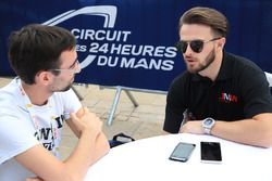 Will Stevens, JMW Motorsport with Benjamin Vinel, Motorsport.com Journalist