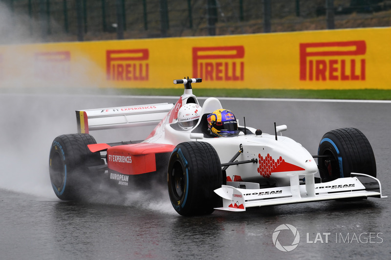 Patrick Friesacher, F1 Experiences tweezitter