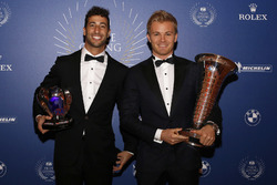 World Champion Nico Rosberg, Mercedes AMG F1, Daniel Ricciardo, Red Bull Racing