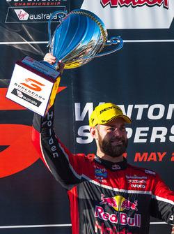 Podium: race winner Shane van Gisbergen, Triple Eight Race Engineering Holden