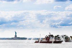 Il New York Fire Department e la Statua della Libertà